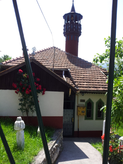 2016 06 09 112925 - Smallest House In The World 2016